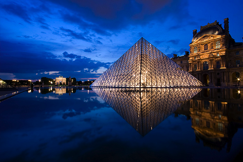 Le Louvre au mirroir by Djof