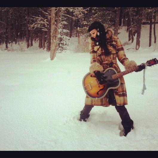 veronica varlow guitar