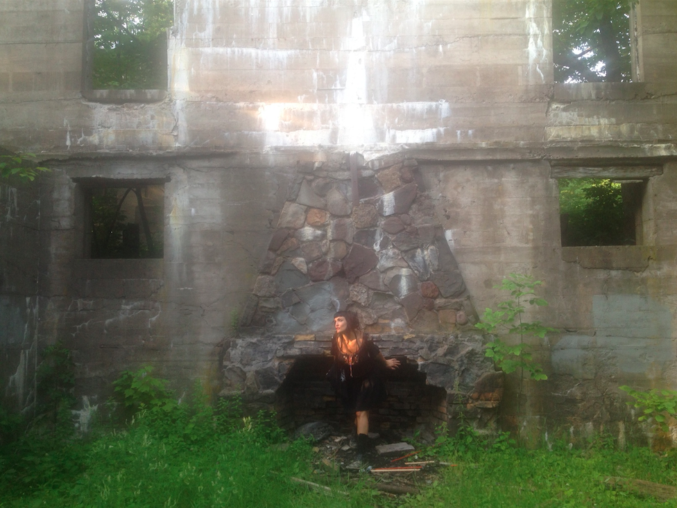 girl-in-abandoned-building.jpg