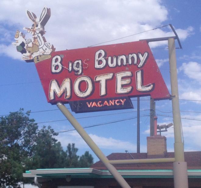 bigs-bunny-motel.jpg